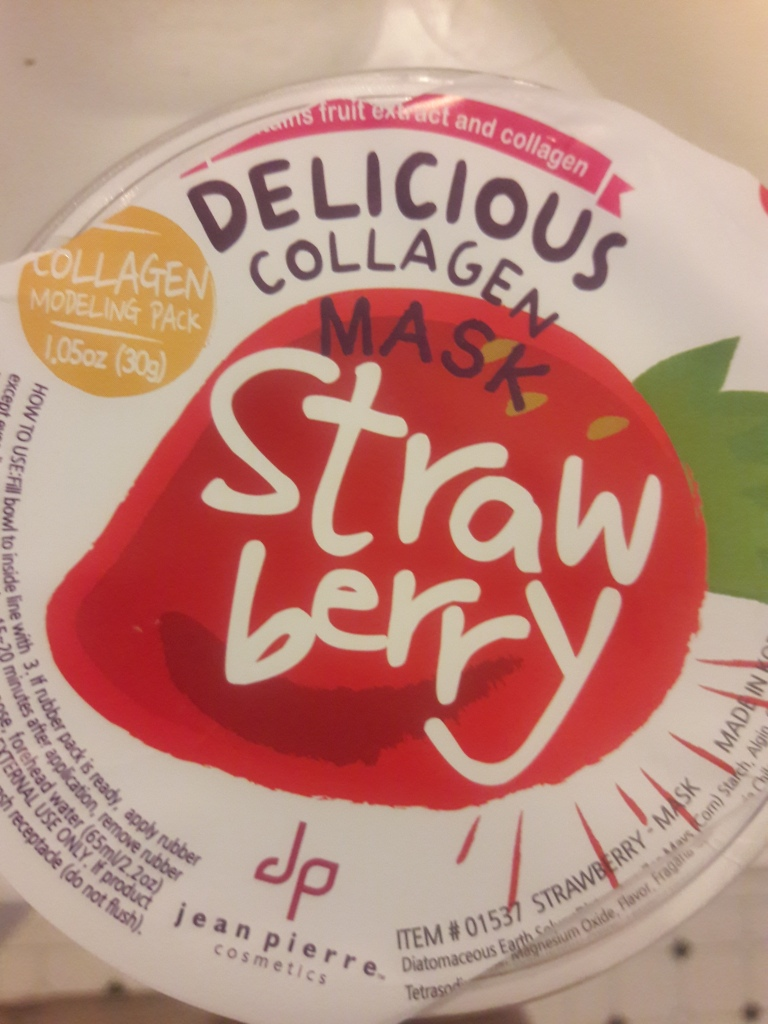 The lid of Jean Pierre Cosmetics' Strawberry Delicious Collagen Mask modeling pack.