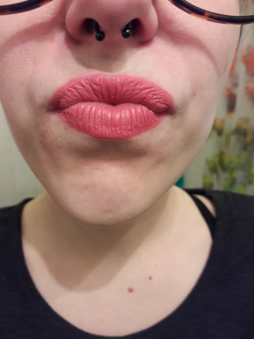 A perfectly normal application of pink lipstick. (MDMflow Liquid Matte Lipstick in Retro)
